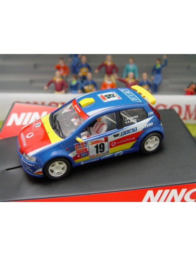 "Fiat Punto Super 1600 ""VODAFONE"", Coche de Slot (NINCO 50336). SLOT CAR NINCO 50336"
