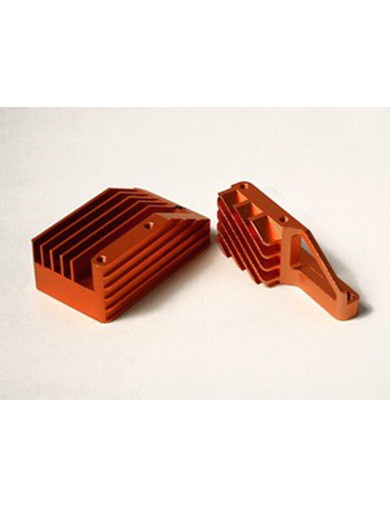 Soporte de Motor Refrigerado HPI Savage (ATOMIC SAX031-O). Heat Sink Engine Mount ATOMIC SAX031-O Mejoras HPI Savage